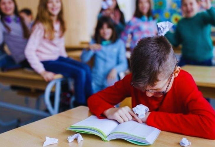 Con qué frivolidad juegan los gobernantes con la educación de niños y jóvenes